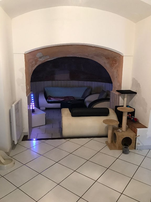 Location appartement Lambesc 710€ CC - Photo 1