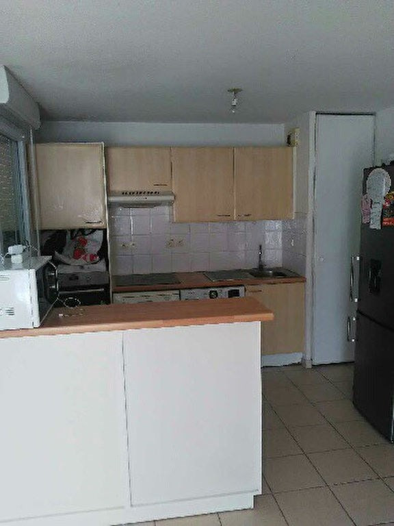 Location appartement Marseille 770€ CC - Photo 1