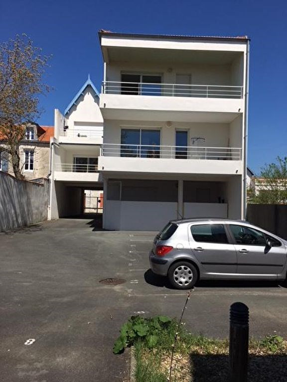Sale apartment Chatelaillon plage 378 000€ - Picture 1