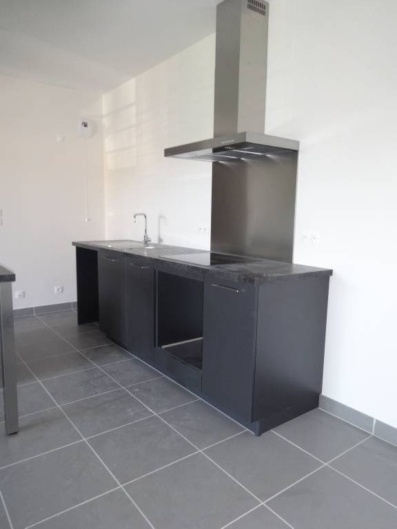 Rental apartment Montfavet 925€ CC - Picture 5