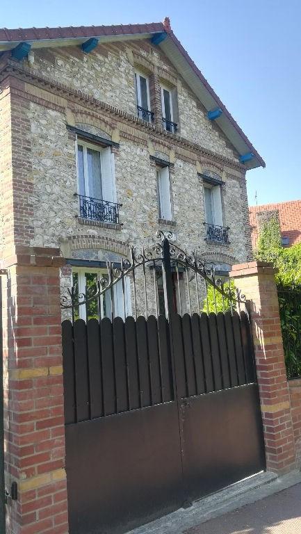 Maison Domont 11 pièce (s) 243.88 m²