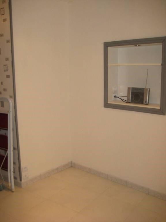 Location appartement Laval 363€ CC - Photo 3