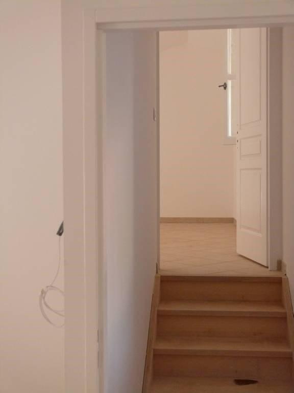 Rental apartment Villeneuve-les-avignon 950€ CC - Picture 2