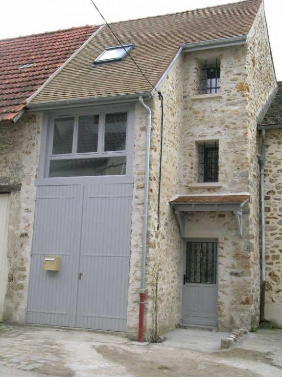 Rental house / villa Saulx les chartreux 795€ CC - Picture 1