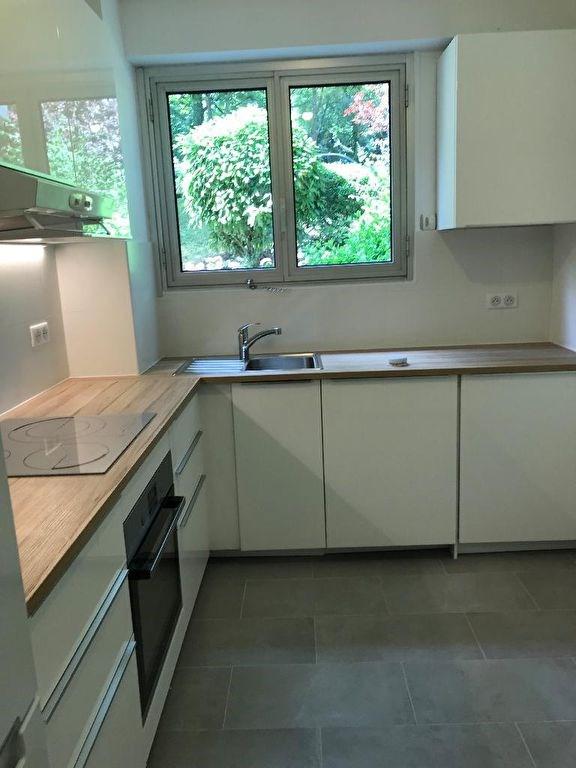 Rental apartment Vaucresson 1490€ CC - Picture 3