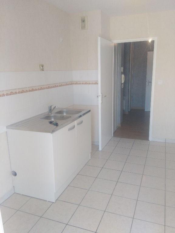 Rental apartment Cugnaux 635€ CC - Picture 2