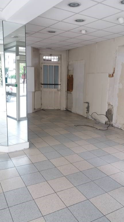 Location local commercial Bretigny-sur-orge 1 850€ CC - Photo 3