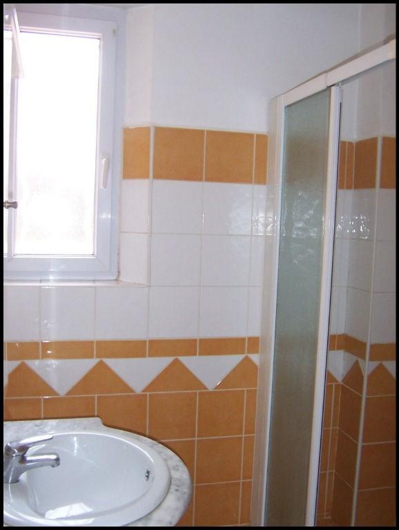 Rental apartment Aix en provence 840€ CC - Picture 7