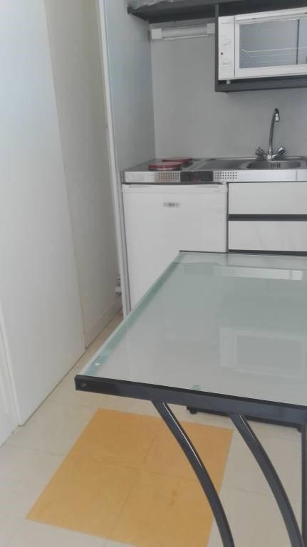 Location appartement Laval 305€ CC - Photo 3