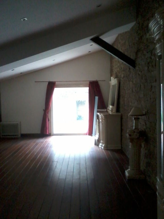 Rental house / villa Bourgoin jallieu 950€ CC - Picture 2
