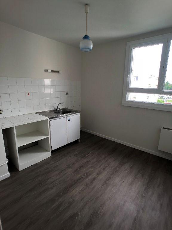 Rental apartment Limoges 375€ CC - Picture 2