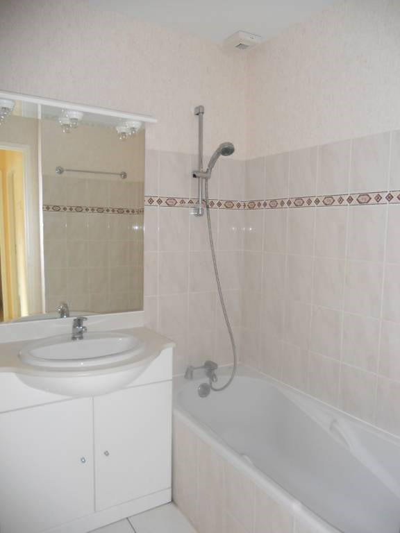 Rental house / villa Saint-astier 599€ CC - Picture 5