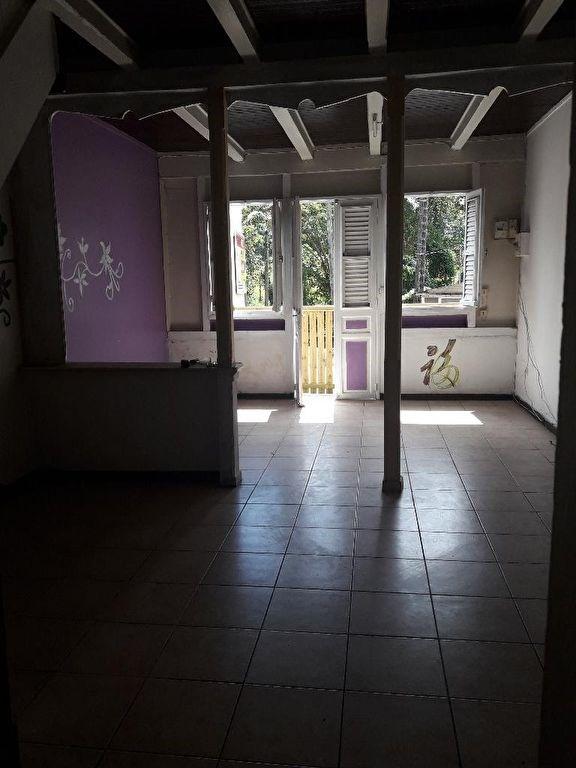 Location maison / villa Saint esprit 630€ CC - Photo 2