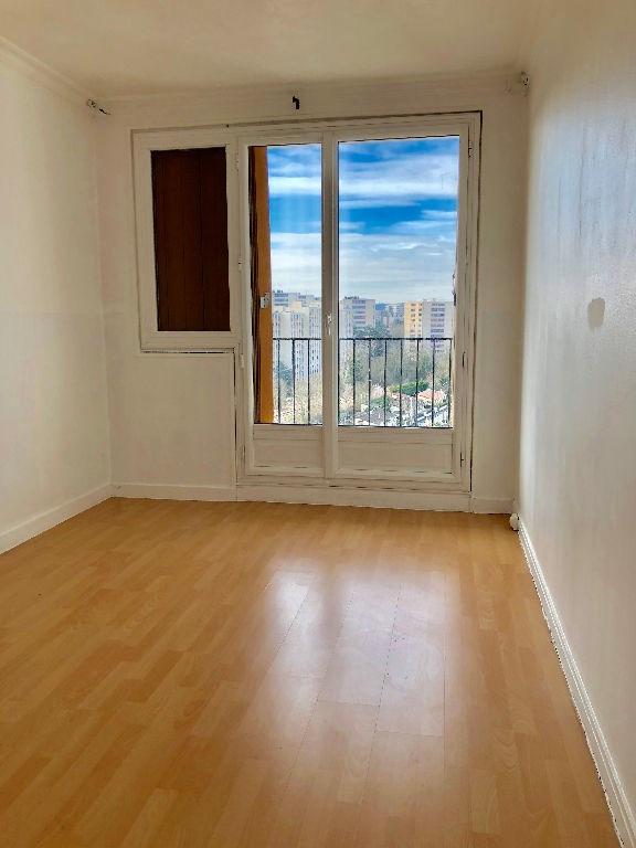 Location appartement Poissy 750€ CC - Photo 2
