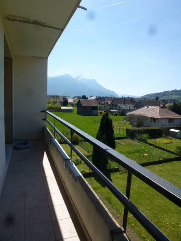 Location appartement Entre-deux-guiers 590€ CC - Photo 1