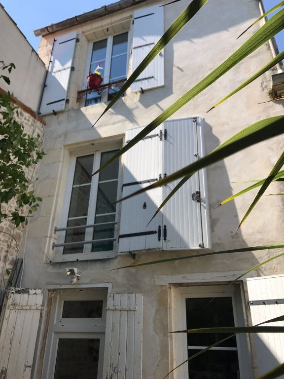 Sale apartment La rochelle 393 750€ - Picture 1