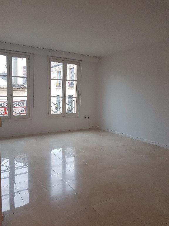 Rental apartment St germain en laye 1050€ CC - Picture 1
