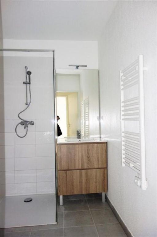 Rental apartment Londe les maures 674€ CC - Picture 6