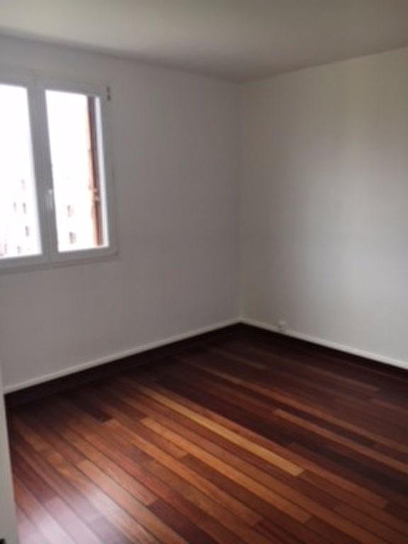 Rental apartment Saint germain en laye 1105€ CC - Picture 2