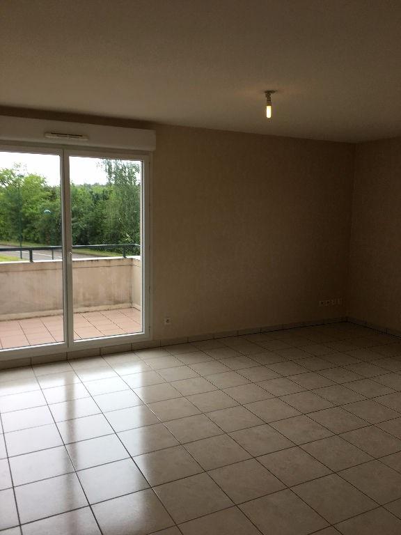 Sale apartment Vaulx milieu 109500€ - Picture 2