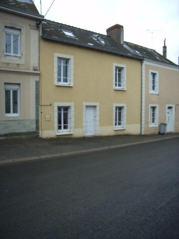 Location maison / villa Villiers charlemagne 370€ +CH - Photo 1