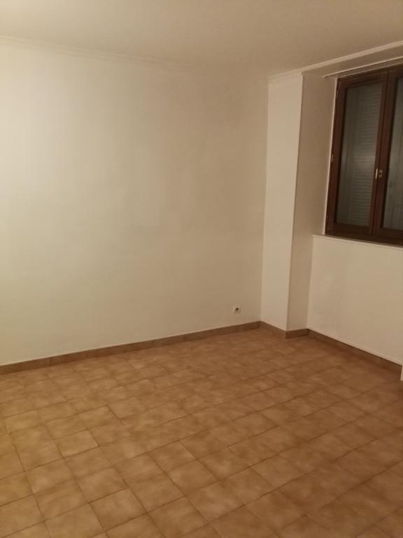 Rental apartment Arpajon 645€ CC - Picture 1