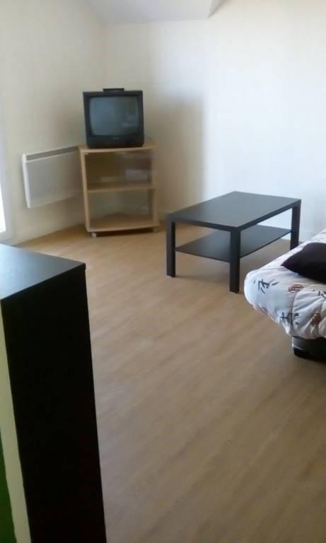 Location appartement Laval 350€ CC - Photo 8