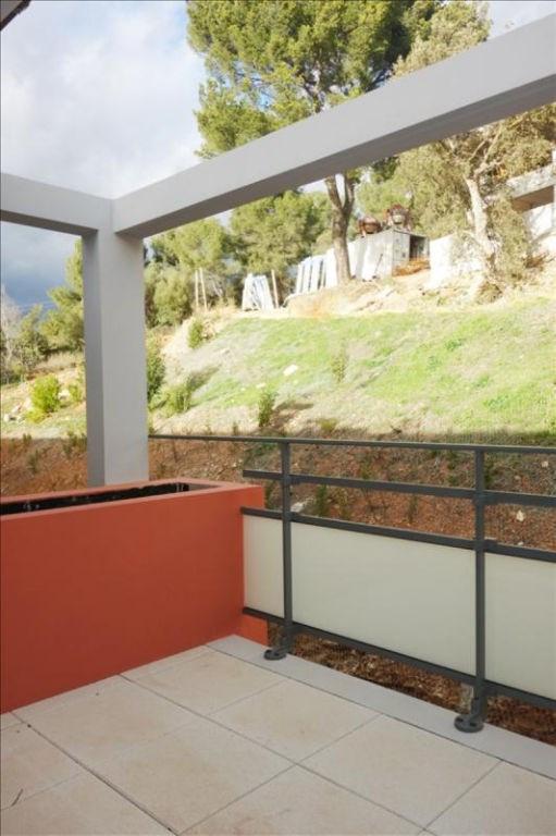 Rental apartment Londe les maures 674€ CC - Picture 1