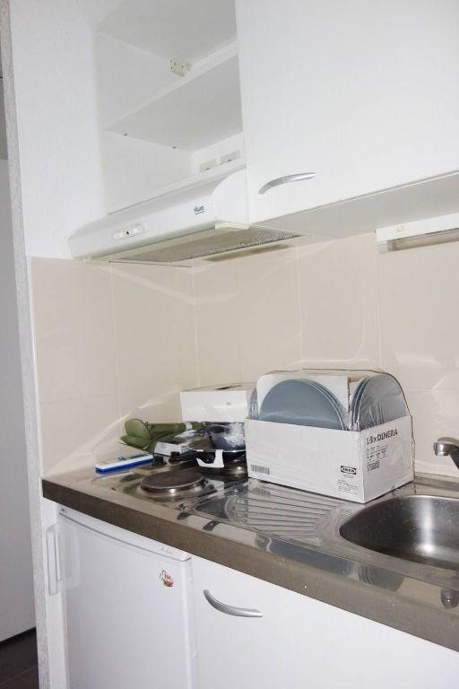 Verhuren  appartement Toulon 415€ CC - Foto 3