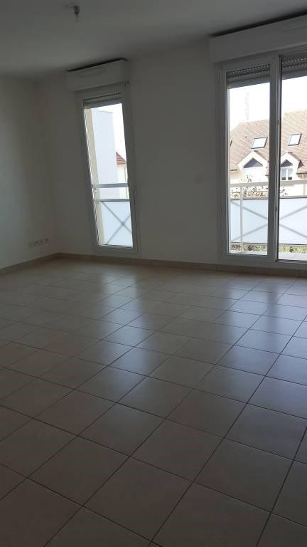 Rental apartment Arpajon 721€ CC - Picture 2