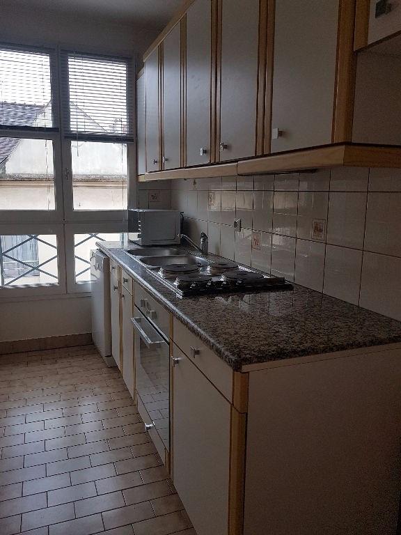 Rental apartment St germain en laye 1050€ CC - Picture 3