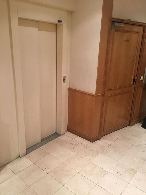 Location parking Paris 17ème 282€ CC - Photo 3