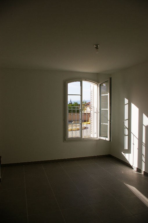 Sale apartment La roque d antheron 195 000€ - Picture 4