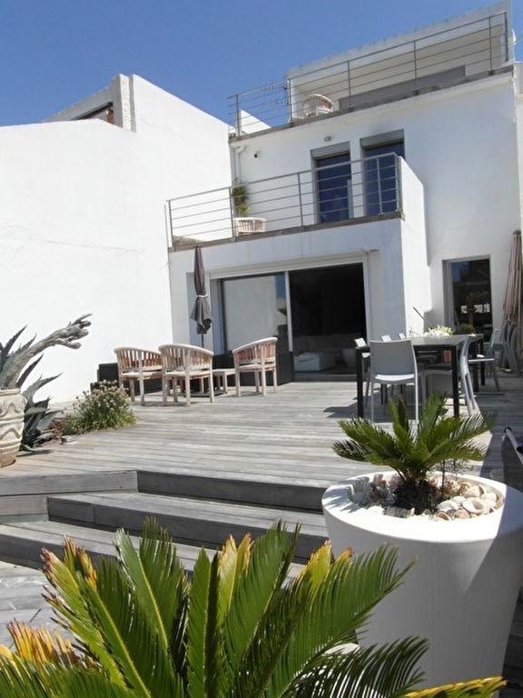 Deluxe sale house / villa Port camargue 1250000€ - Picture 1