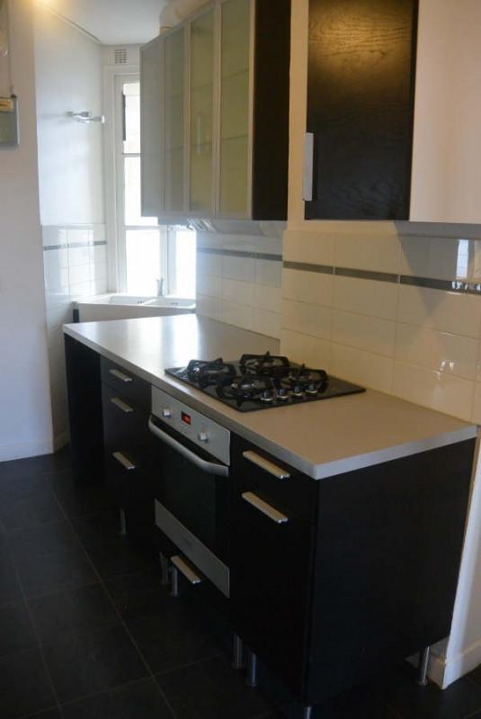 Rental apartment Clichy 1060€ CC - Picture 2
