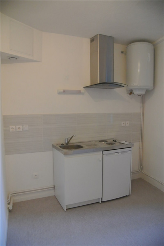 Rental apartment Vienne 474€ CC - Picture 1