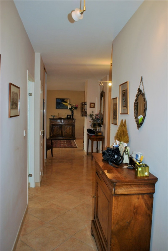 Deluxe sale apartment Roanne 385 000€ - Picture 5