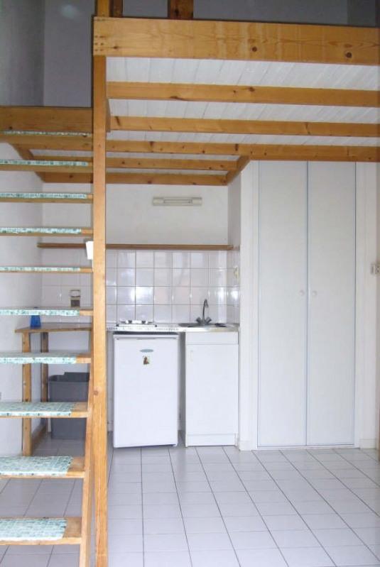 Rental apartment La roche sur yon 320€ CC - Picture 1