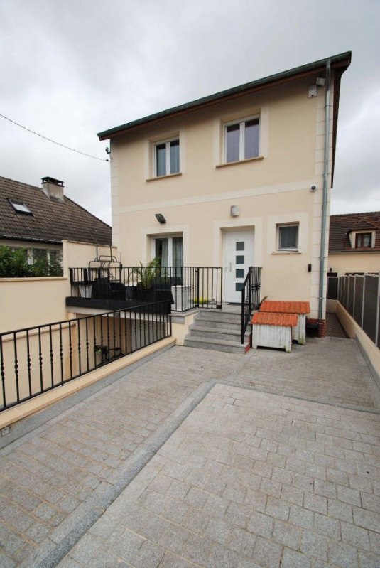 Sale house / villa Bezons 385 000€ - Picture 1