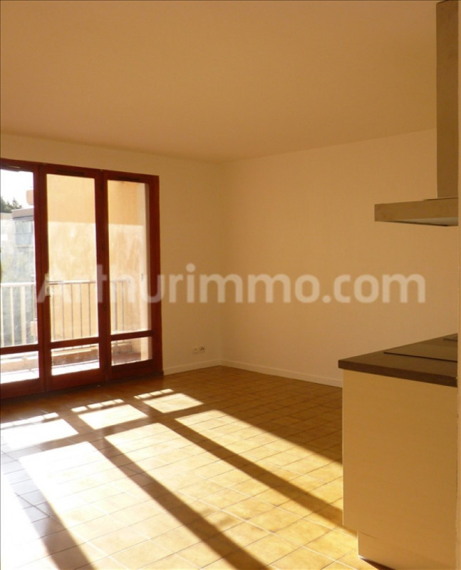 Rental apartment Frejus 488€ CC - Picture 1