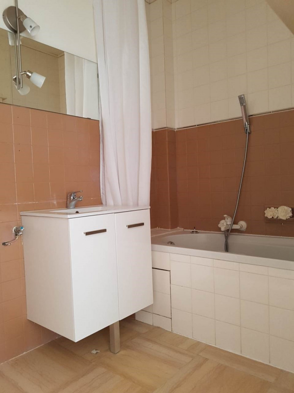 Rental apartment Ambilly 700€ CC - Picture 3