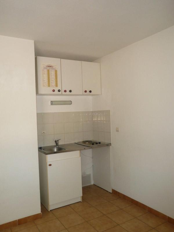 Location appartement Sanary sur mer 456€ CC - Photo 3