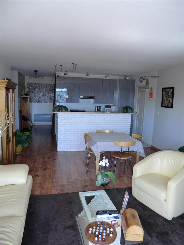Sale apartment Toulon 230 000€ - Picture 2