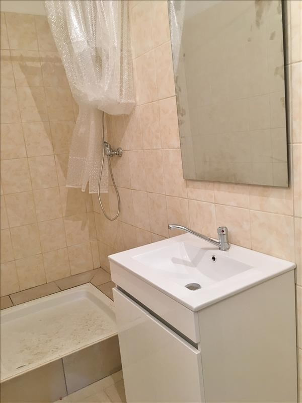 Rental apartment Villeneuve l archeveque 500€ CC - Picture 5