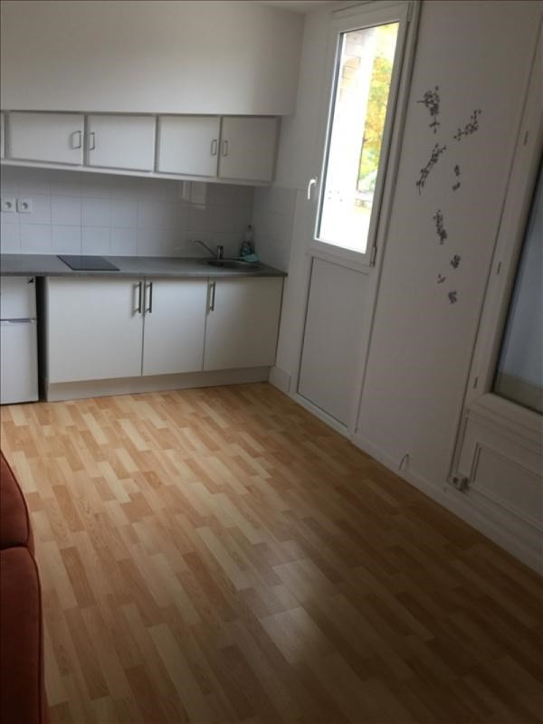 Location appartement Les pavillons sous bois 530€ CC - Photo 1