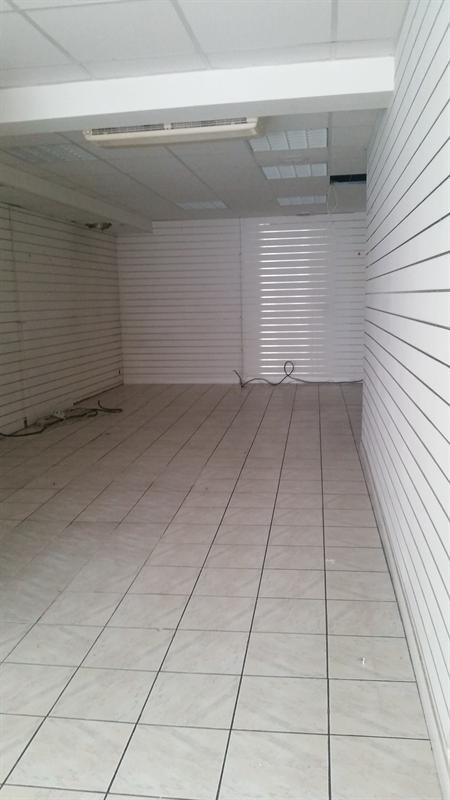 Location local commercial Melun 1 000€ HT/HC - Photo 2