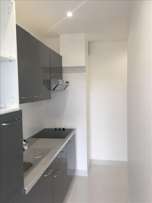 Location appartement La celle st cloud 740€ CC - Photo 1