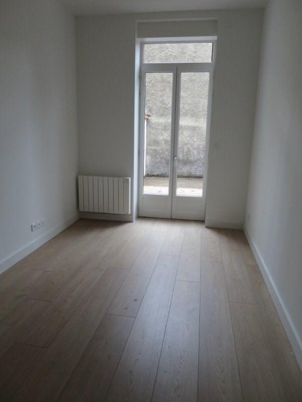 Location appartement Lyon 8ème 645€ CC - Photo 2