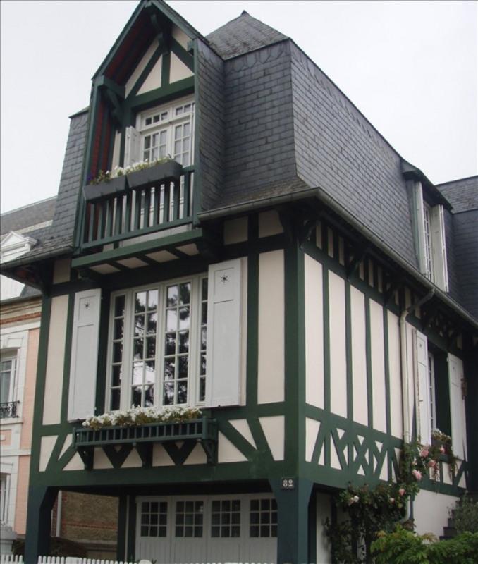 Deluxe sale house / villa Deauville 995000€ - Picture 1