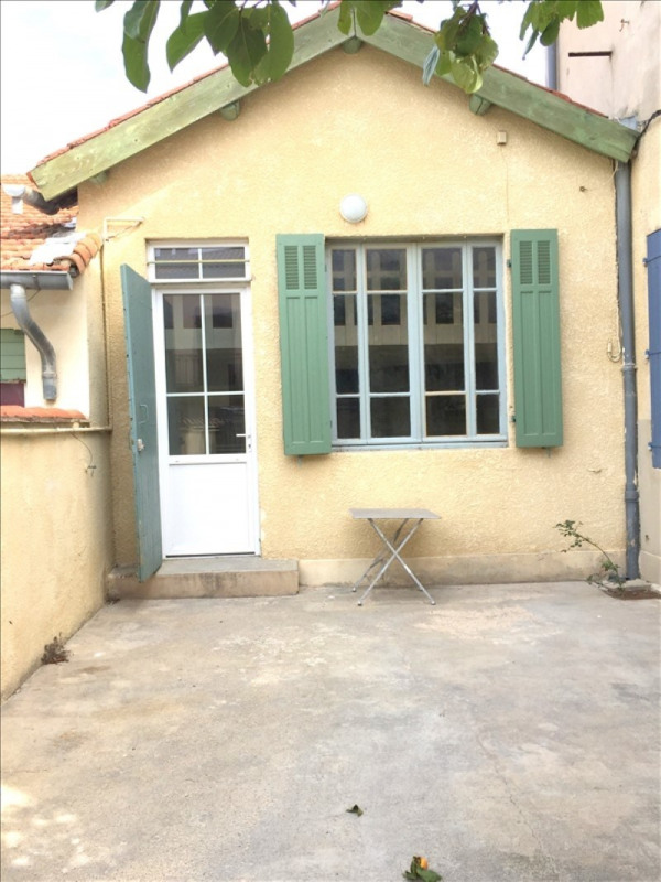 Location maison / villa Salon de provence 550€ CC - Photo 1